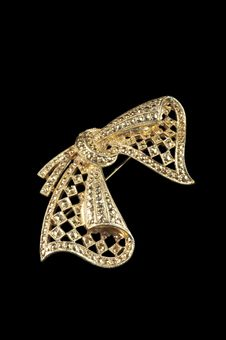 Free Vintage Golden Bow Brooch Stock Image - 16007641