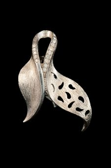 Free Silver Vintage Brooch Royalty Free Stock Images - 16007789