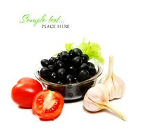 Free Tomatoes And Black Olives Royalty Free Stock Photography - 16008267