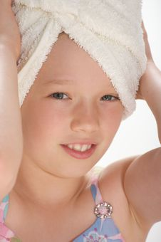 Free Young Girl With Towel Royalty Free Stock Images - 16009259
