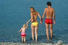 Free Family On The Beach Royalty Free Stock Photos - 16011988