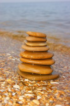 Free Sea Stones Stock Photo - 16013480
