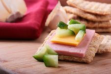 Free Wheat Crackers With Cheese And Cucumber Stock Image - 16017031