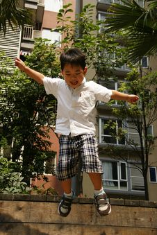 Free Jumping Boy Royalty Free Stock Photography - 16018267
