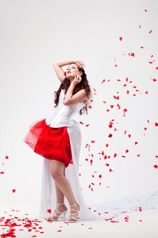 Free Young Beautiful Woman With Petals Of Roses Royalty Free Stock Photos - 16019908