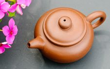 Free Clay Tea Pot Royalty Free Stock Images - 16024879