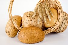 Free Basket With The Bread Stock Photo - 16031390