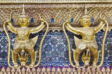 Free Garuda Two Royalty Free Stock Images - 16035959