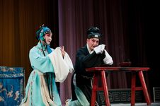 Free China Opera Man And Woman Kneel Stock Images - 16037654