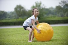 Free Asian Girl Play Ball Stock Photos - 16038813