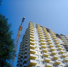 Free Under Construction Condo Building. Royalty Free Stock Photography - 16039527