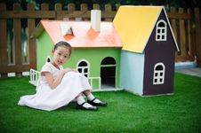 Free Little Girl And House Like Fairy Tale Stock Image - 16040651