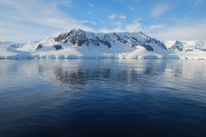 Free Horizontal View Of Antarctic Mainland Royalty Free Stock Images - 16045809