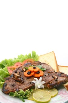 Free T Bone Pepper Steak With Vegetable And Bread Stock Images - 16047884
