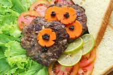 Grill Beef Hamburger With Vegetable And Bread