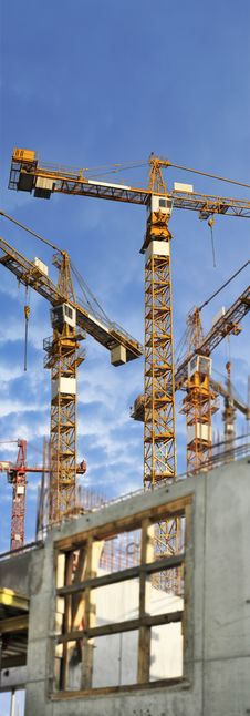 Free Cranes On Building Site Royalty Free Stock Images - 16049279