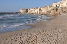 Free Cefalu In Sicily Royalty Free Stock Images - 16051479