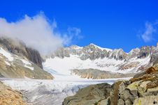 Free Glacier With Snow Capped Mountains Stock Images - 16052424