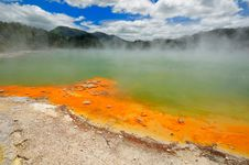 Free Champagne Pool, Wai-O-Tapu Stock Images - 16053834