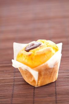 Free Homemade Muffin Filled With Chocolate Royalty Free Stock Photo - 16054255