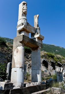 Free Antique Ruins In Ephesus Royalty Free Stock Image - 16055576