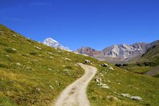 Free Mountain Path Royalty Free Stock Photography - 16055947