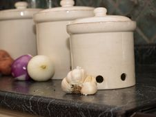 Kitchen Canisters For Potatoes,onions, And Garlic Stock Images