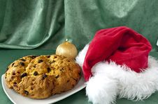 Free Panettone And Hat Of Santa Claus Royalty Free Stock Photo - 16061235