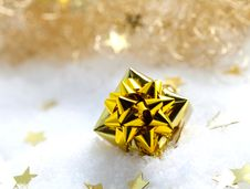 Free Golden Gift In Snow Stock Image - 16066331
