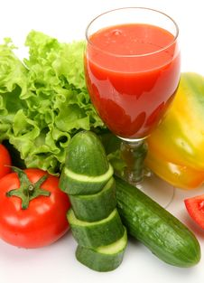 Free Fresh Vegetables And Juice Royalty Free Stock Images - 16067379
