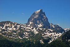 Pic Du Midi D Ossau And Cirque D Anneou Royalty Free Stock Photos