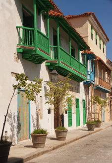 Free Old Havana Houses Royalty Free Stock Images - 16071089