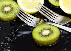 Free Orange With Kiwi Stock Photo - 16072410