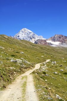 Free Mountain Path Stock Images - 16079074