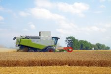 Free Combine For Harvesting Wheat Stock Photo - 16088520