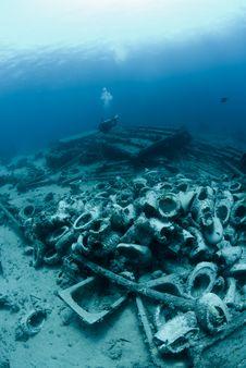 Free Underwater Wreckage Stock Photos - 16089823
