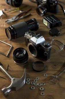 Free Damaged Camera Royalty Free Stock Photo - 16089875