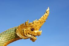 Free Serpent Head Statue To The Sky Without Clouds. Stock Photo - 16097420