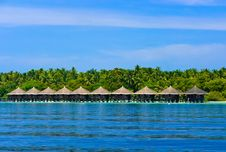 Free Water Bungalows On A Tropical Island Royalty Free Stock Image - 16099396
