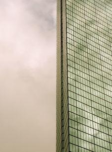 Free Reflective Glass Skyscraper Stock Photo - 1611640