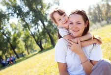 Free Mother And Daughter Royalty Free Stock Photography - 16100127