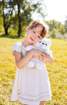 Free Girl In The Park Royalty Free Stock Photography - 16100247
