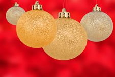 Free Gold Christmas Balls Stock Images - 16100954