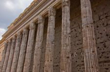 Free Roman Columns Stock Images - 16101874