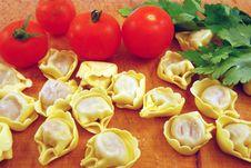 Free Tomato And Tortellini Stuffed Royalty Free Stock Photography - 16118287