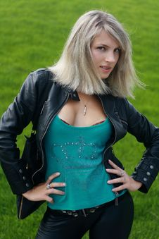 Free Blonde Girl In Black Jacket Royalty Free Stock Photography - 16118397