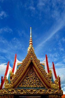 Free Golden Pavilion Roof Stock Photography - 16118652