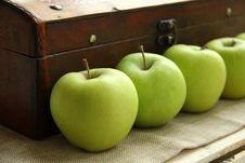 Free Green Apples Royalty Free Stock Image - 16122166