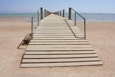 Free Jetty Going Out Into The Sea Royalty Free Stock Images - 16146799