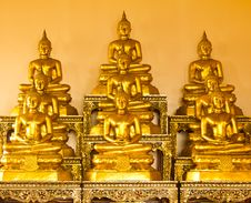 Free Golden Buddha Royalty Free Stock Photos - 16151048